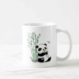 Mug Panda mangeant le bambou