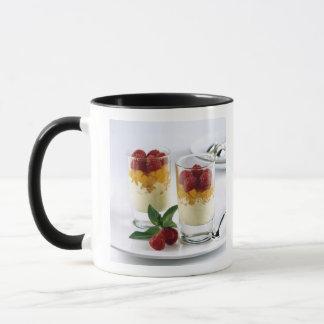 Mug Panful de mangue sur une glace à la vanille pour