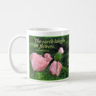 """Mug Pavots et iris """"que la terre rit en fleurs. """""""