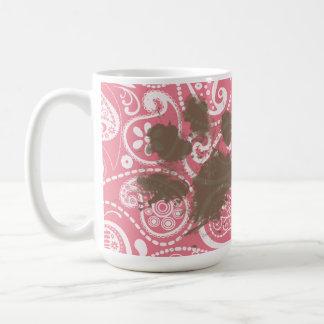 Mug Pawprint mignon rougissent dessus Paisley rose
