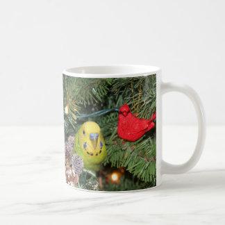 Mug Perruche dans un arbre de Noël