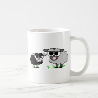 Mug Petits moutons noirs mignons et moutons de BigGray
