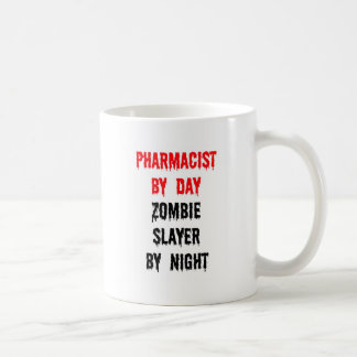 Mug Pharmacien par le tueur de zombi de jour par nuit