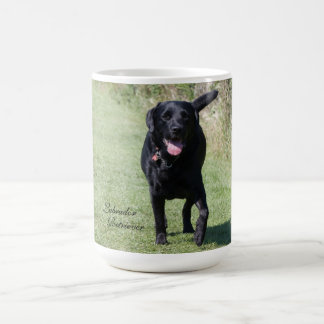 Mug Photo de chien noir de labrador retriever belle,