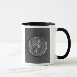 Mug Pièce de monnaie avec un portrait de Jules César