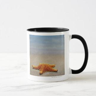 Mug Plan rapproché d'une étoile de mer de coussin