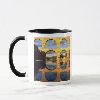 Mug Pont du le Gard, rivière de Gardon, le Gard,