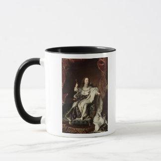 Mug Portrait de Louis XV dans des robes longues de