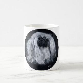 Mug Portrait de Pekingese dans noir et le blanc