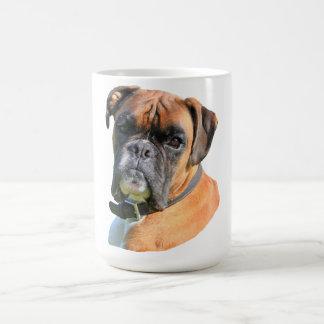 Mug Portrait de photo de chien de boxeur beau