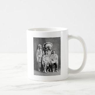 Mug Portrait indien de groupe de corneille, les années