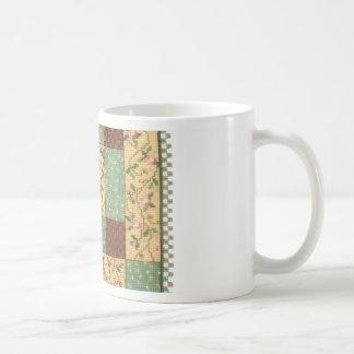 Mug Poupée avec l'édredon