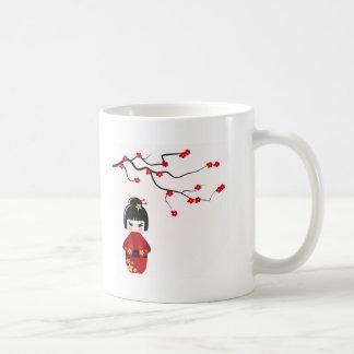 Mug Poupée de Kokeshi sous la branche de Sakura