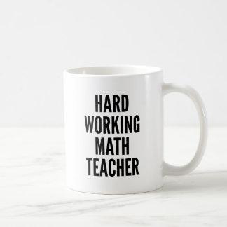 Mug Professeur de maths travaillant dur