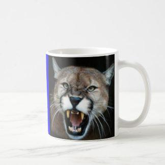Mug Puma de grondement, puma posé