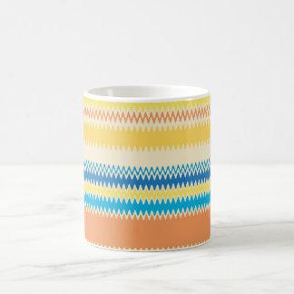 Mug Rayure colorée de zigzag de Chevron décorative