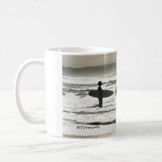 Mug RÉVEILLEZ-VOUS et SURFEZ