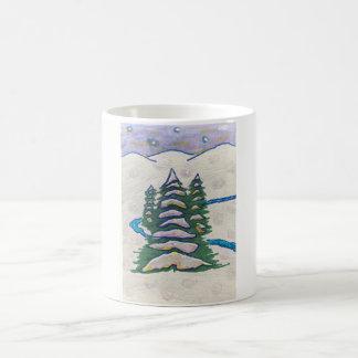 Mug Rivière de scène de neige, plantes vertes,