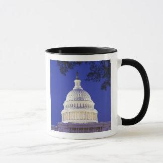 Mug Rotunda du capitol des États-Unis la nuit,
