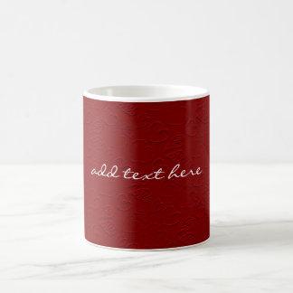 Mug Saint-Valentin rouge personnalisée de coeurs