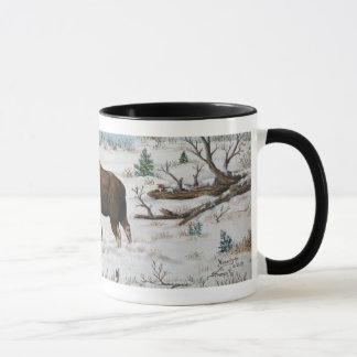 Mug Scène de lutte d'art de faune d'orignaux de