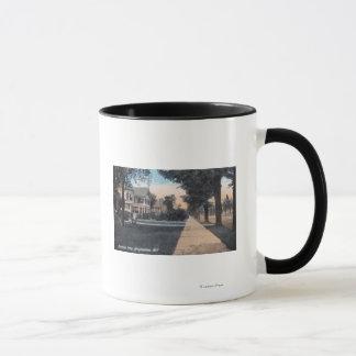 Mug Scène résidentielle sur la commande de rive