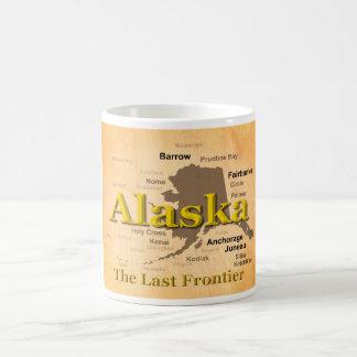 Mug Silhouette âgée de carte de l'Alaska
