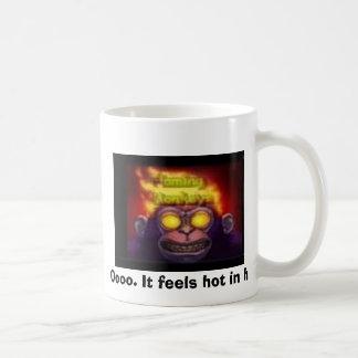 Mug singe sur le feu, Oooo. Il se sent chaud dedans