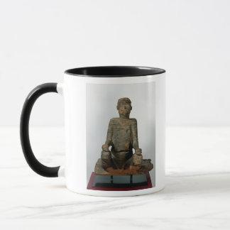 Mug Statue d'un homme assis, Mbembe, Nigéria