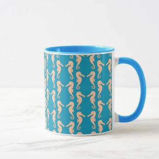 Mug Teal et modèle d'hippocampe de couleur de pêche