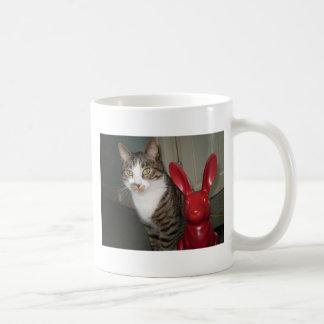 Mug Thé de boissons avec l'archie et les lièvres