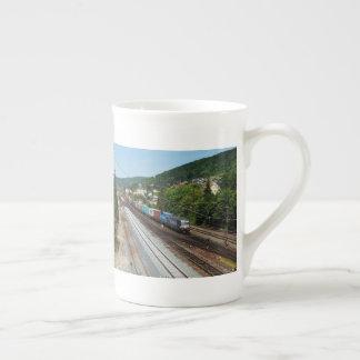 Mug Train de marchandises dans les Gemünden au Main