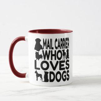 Mug Transporteur de courrier qui aime des chiens
