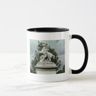 """Mug Un des deux """"chevaux marneux"""", 1739-45"""