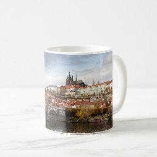 Mug Un jour orageux en photo de souvenir de Prague