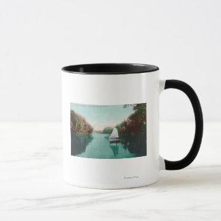 Mug Un voilier sur la plume RiverMarysville, CA