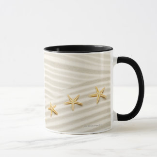 Mug Une rangée d'unstraight des étoiles de mer