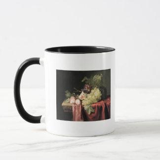 Mug Une vie immobile avec des raisins, prunes