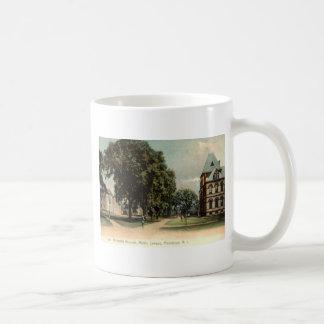 Mug Université du cru 1906 d'Île de Rhode Providence