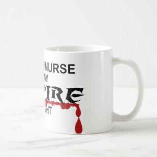 Mug Vampire d'élève-infirmière par nuit