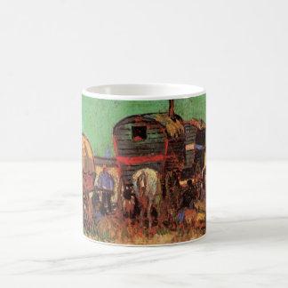 Mug Van Gogh ; Campement des gitans avec des caravanes