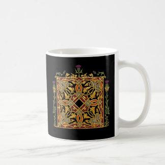 Mug Vignes d'or de noeud celtique écossais de chardon