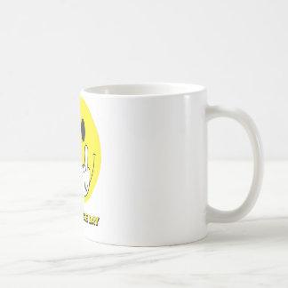 Mug visage souriant donnant le doigt