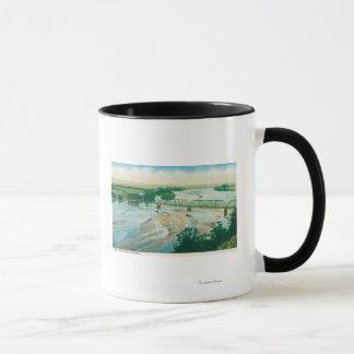 Mug Vue aérienne de la rivière et du pont