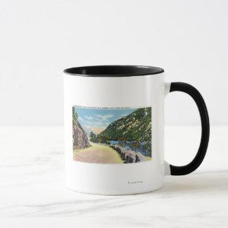 Mug Vue de lac inférieur cascade