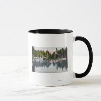 Mug Vue de parc d'Olympia de l'étang, scène de bateau