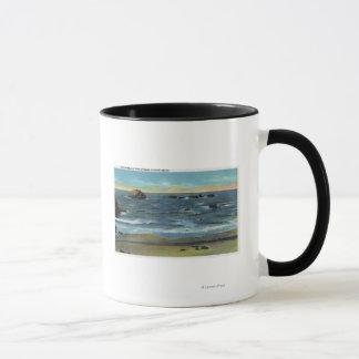 Mug Vue de plage de Bandon de roche, de chat et de