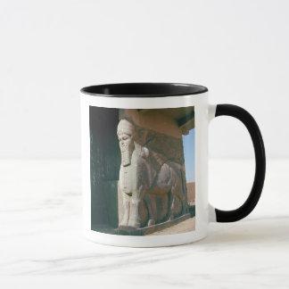 Mug Winged humain-a dirigé le taureau, période
