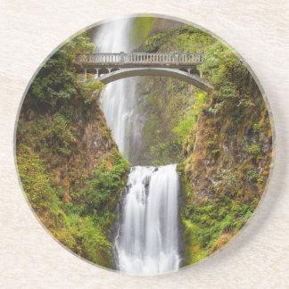 Multnomah tombe le long de la gorge 2 du fleuve dessous de verre