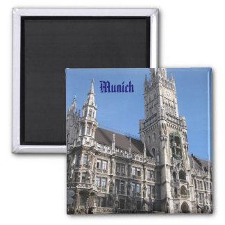 Munich Rathaus Magnet Carré